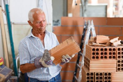 Až 18% slovenských dôchodcov pracuje