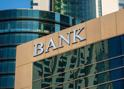 Väčšina peňazí vbankách nezarába