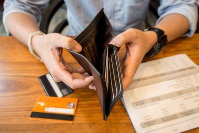 Problémy so splácaním úverov pribúdajú