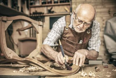 Ústavný zákon stanovil strop dôchodku na 64 rokov